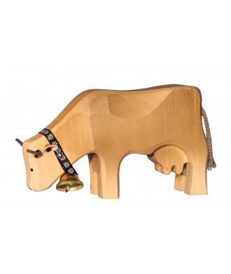 Vache brune qui broute
